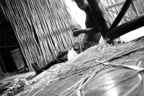 Kenia - Costruttori di tetti in Makuti